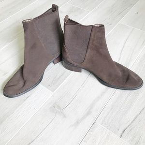 Pazzo Brown Suede Booties Size 8.5